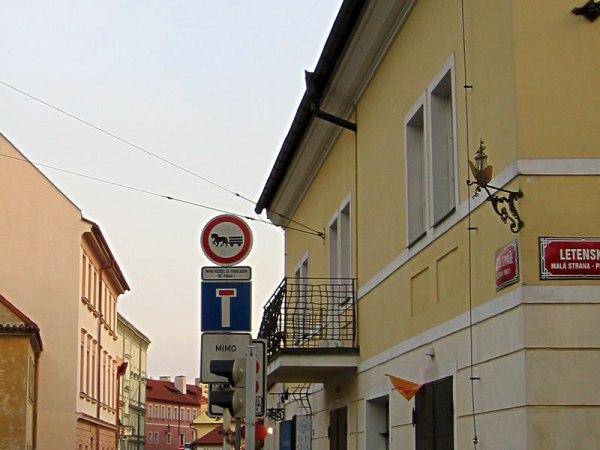 signs_prag