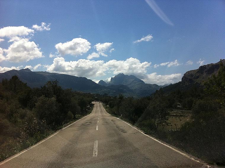 on_the_timanfaya_road1