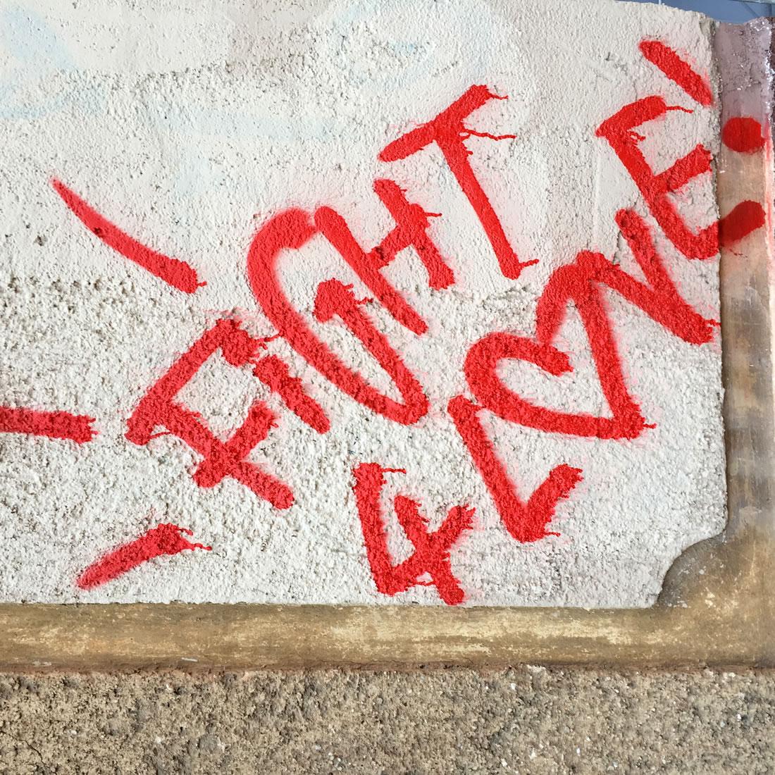 photo-graffiti-red