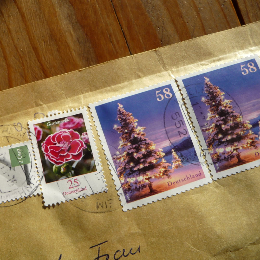 moments-christmasmail-2013dec